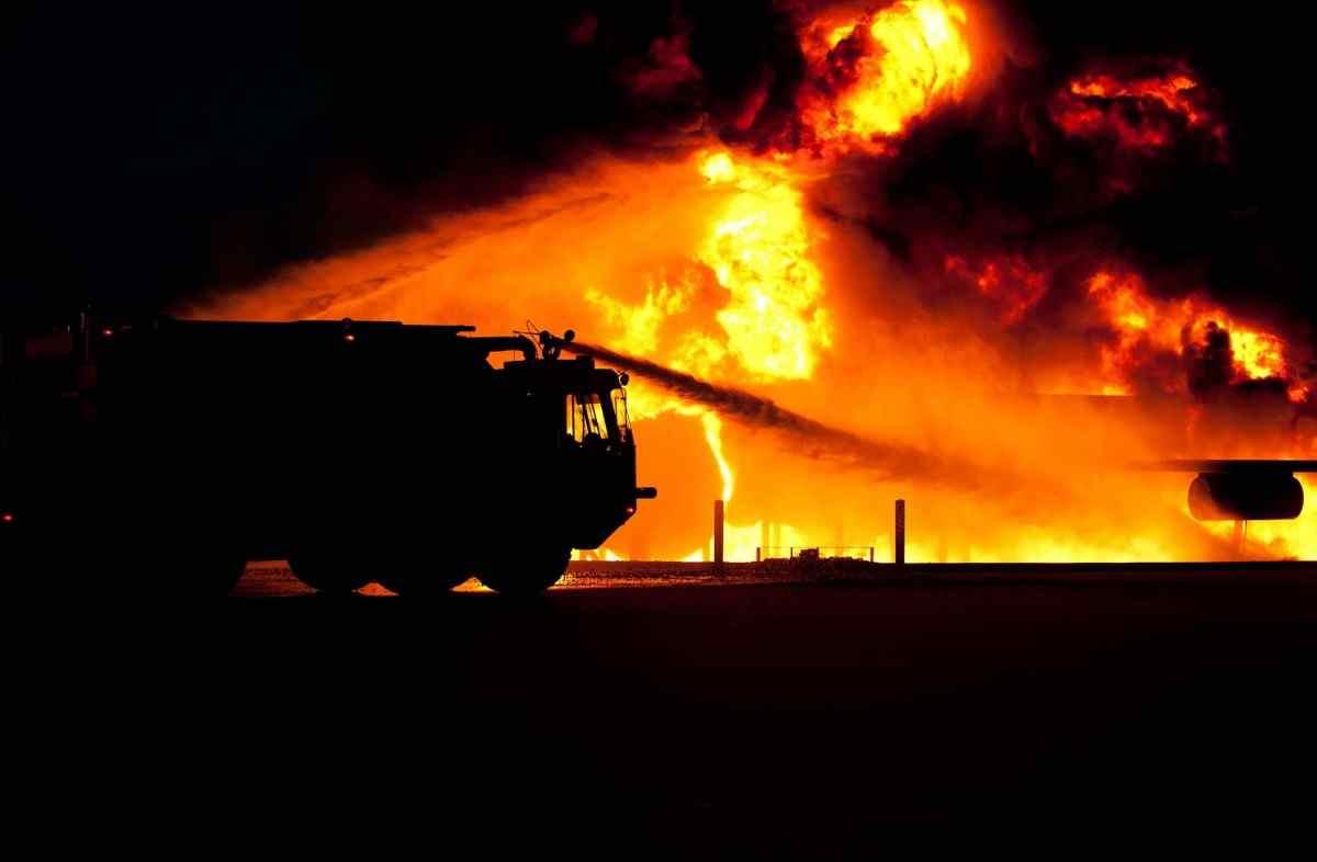 Пострадавшим от пожара в Анапе жильцам выплатят единовременно по 10 тысяч рублей