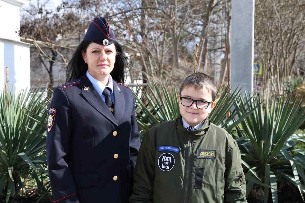 В Новороссийске полицейские помогли ребенку… получить пятерку