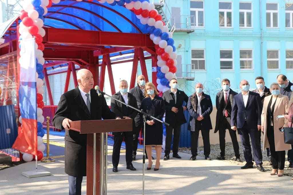 В Восточном районе Новороссийска на месте старого и разваленного появился современный мост
