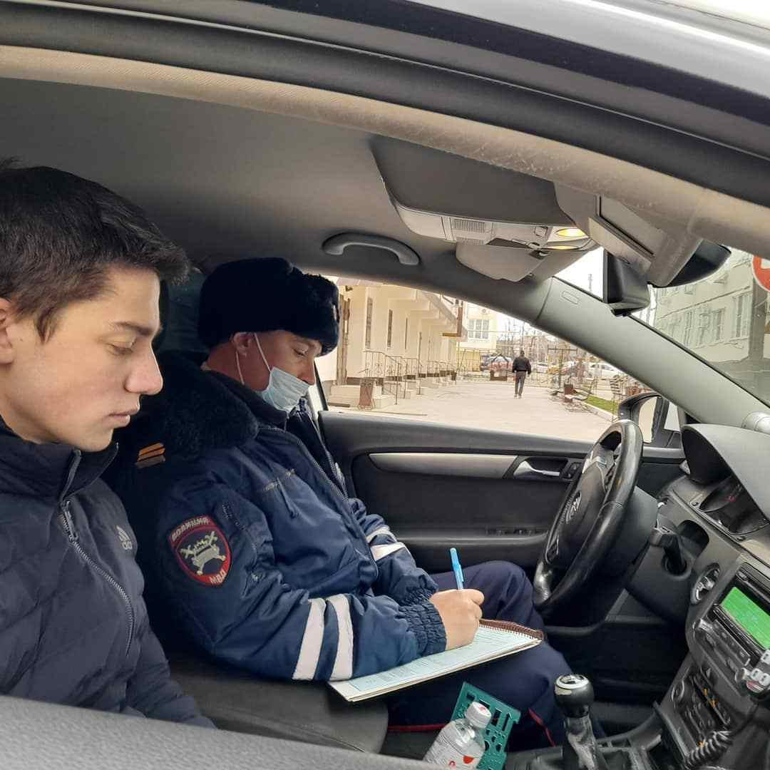 Молодой лихач на «семерке» извинился перед новороссийцами за опасный маневр на дороге