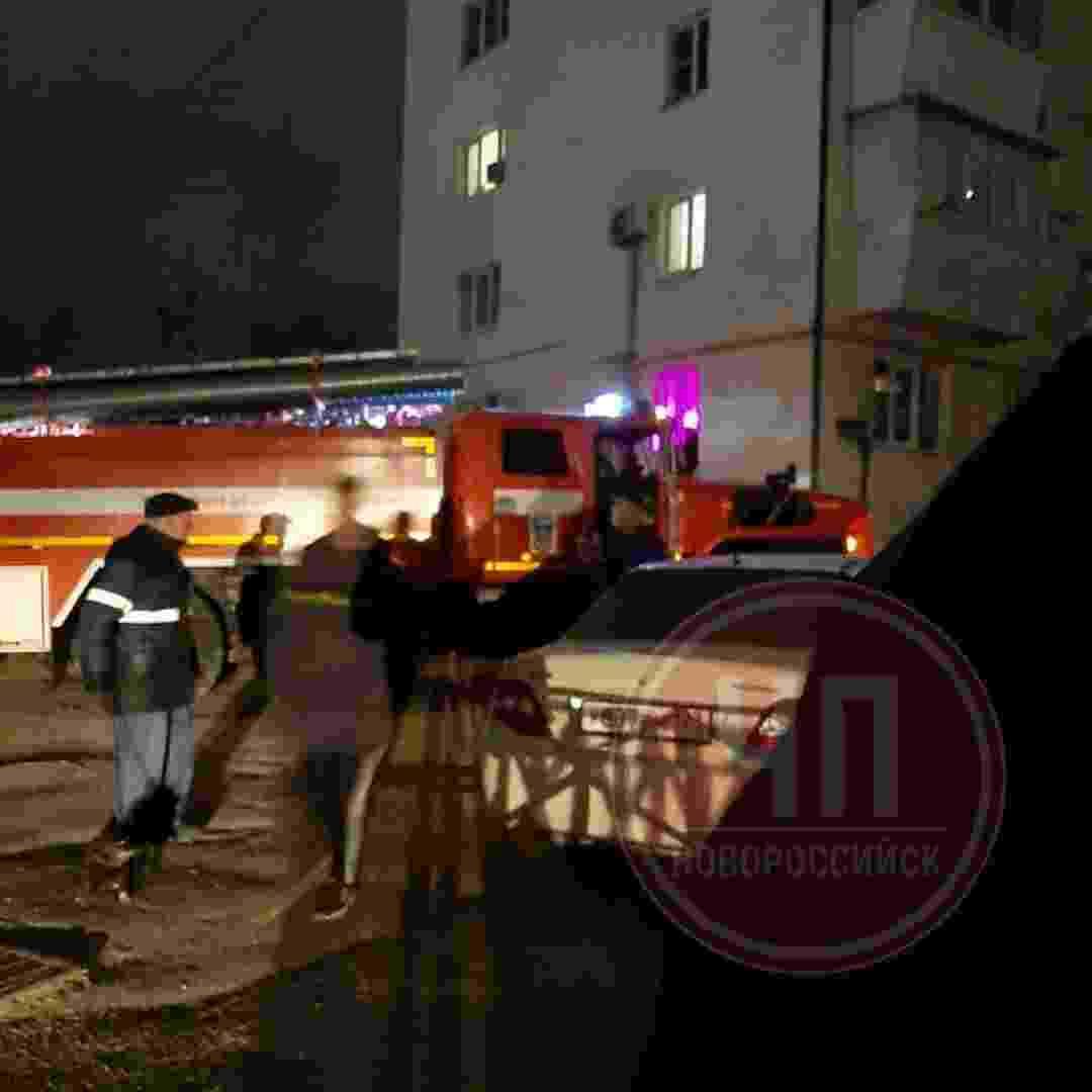 В Новороссийске двое мужчин так отмечали 8 Марта, что спалили квартиру и попали в больницу