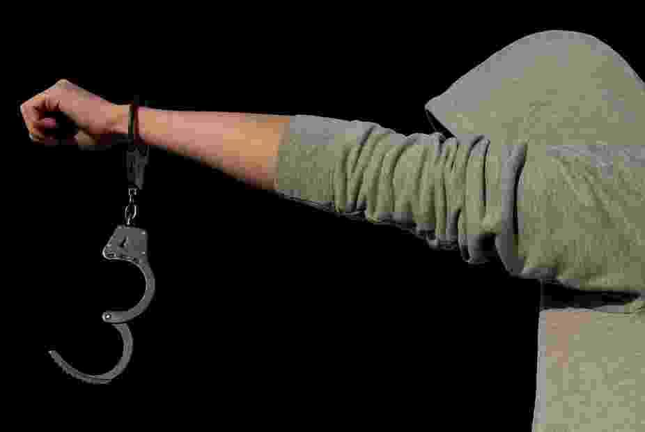В Кабардинке помощница убила хозяйку из-за 35 тысяч рублей