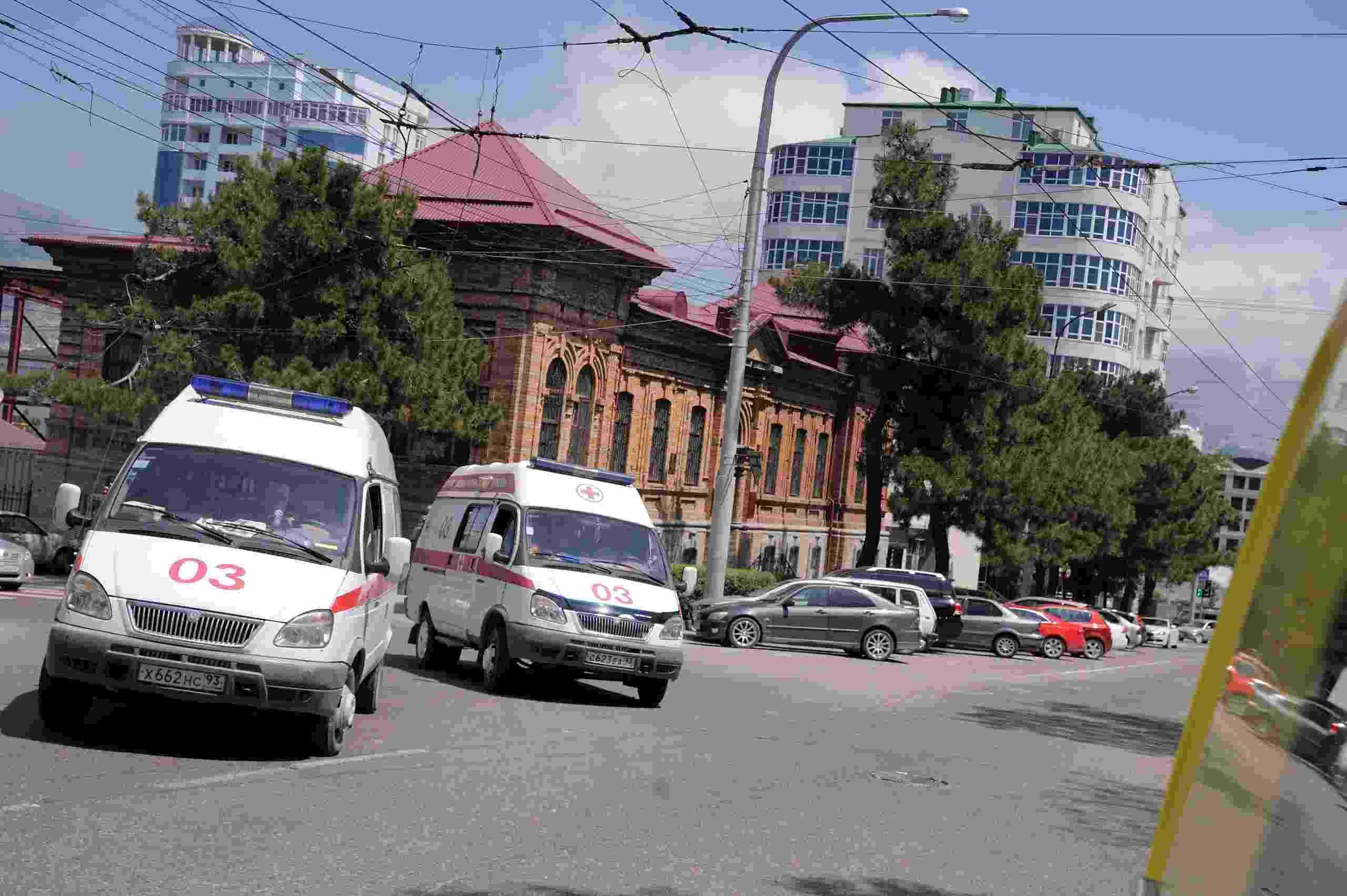 Почему жители Новороссийска ждут скорую помощь очень долго?