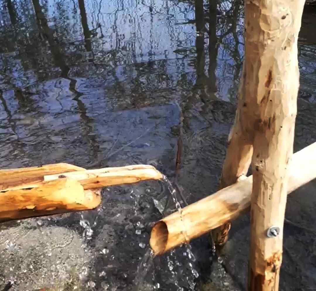 В Новороссийске народный скульптор начал работать с водой