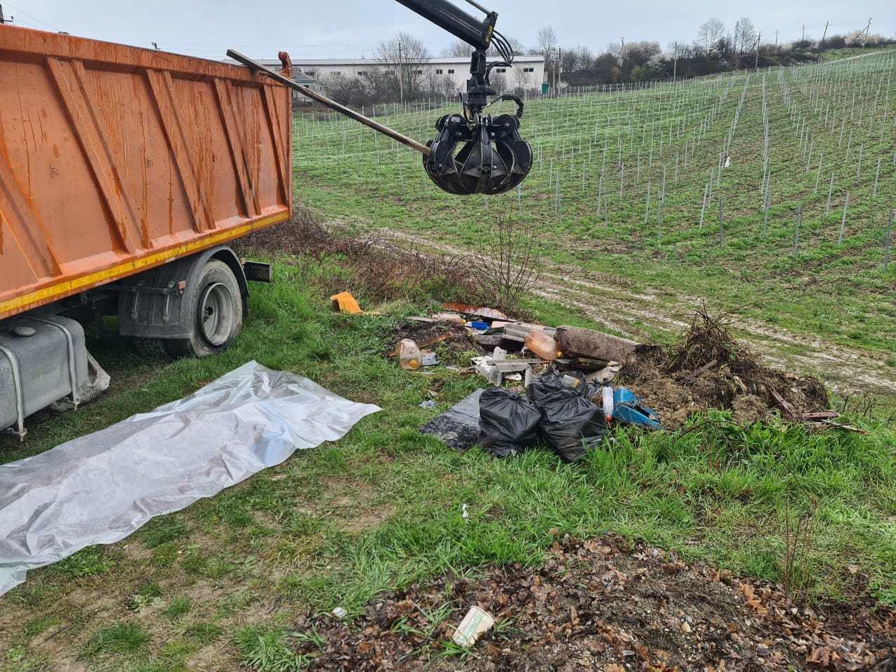 Под Новороссийском погиб молодой мужчина — убирал свалку
