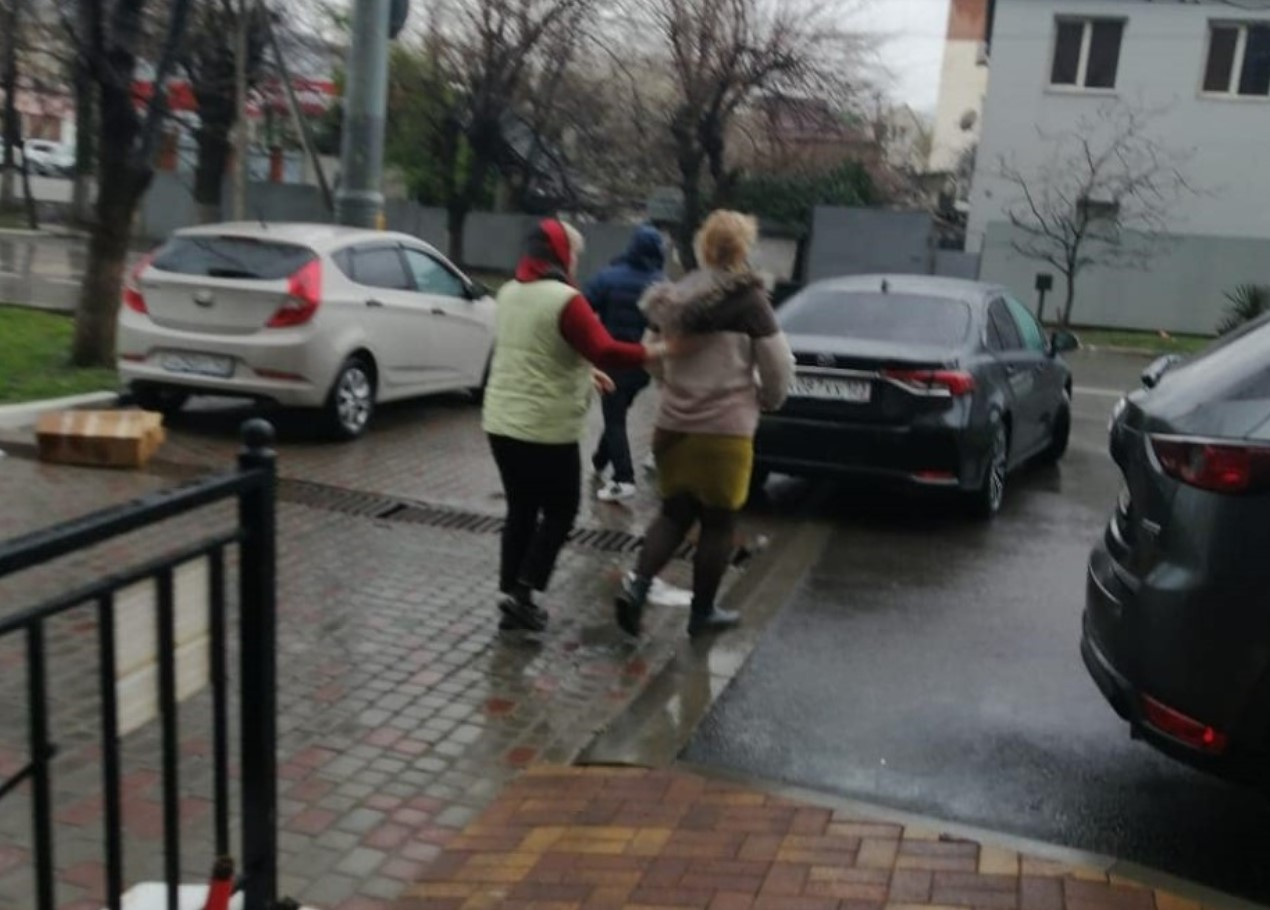 «Сердечный приступ» на ровном месте: спасатели Новороссийска вернули матери ребенка