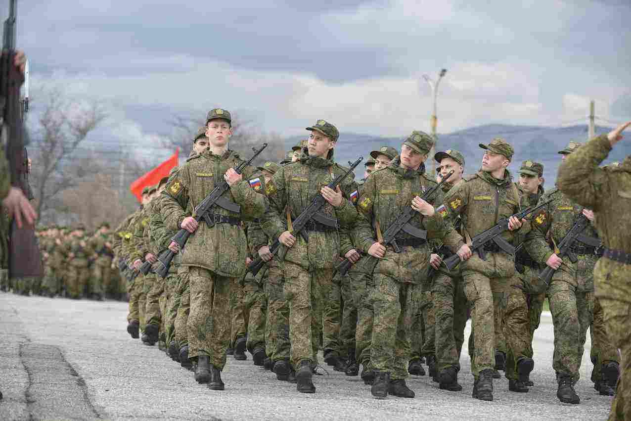 В Новороссийске на параде ко Дню Победы будут зрители. Но очень мало