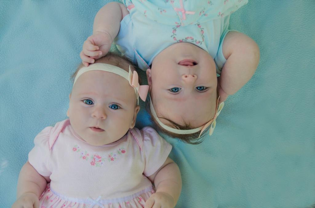 27 мая во всем мире отмечают День близнецов