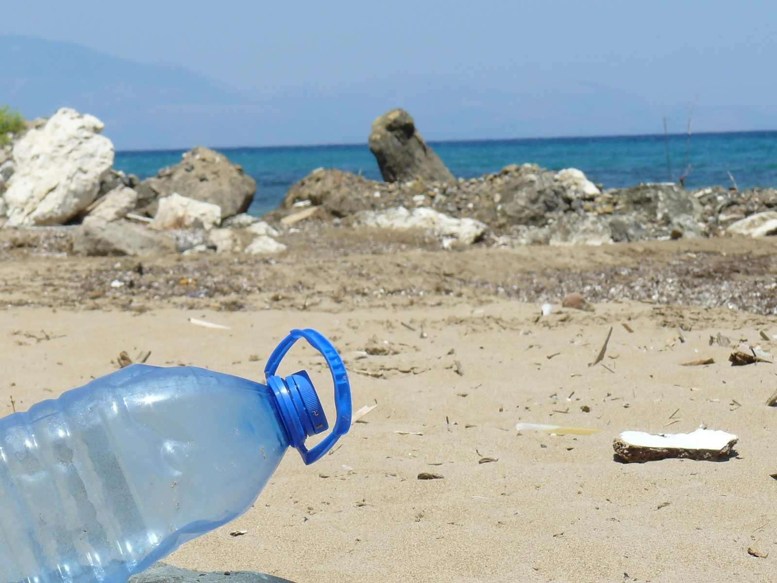 В Новороссийске откроют музей пляжного мусора, из которого будут делать мебель