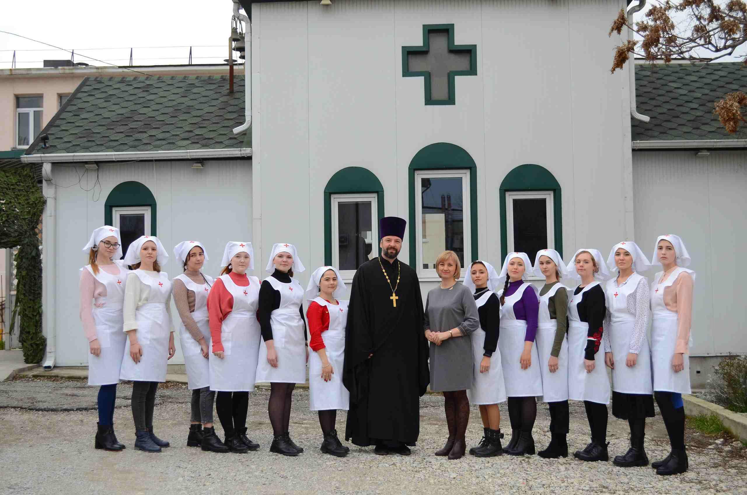 Новороссийских студенток наградили за милосердие, а вскоре они появятся в горбольнице, чтобы поддержать маленьких пациентов