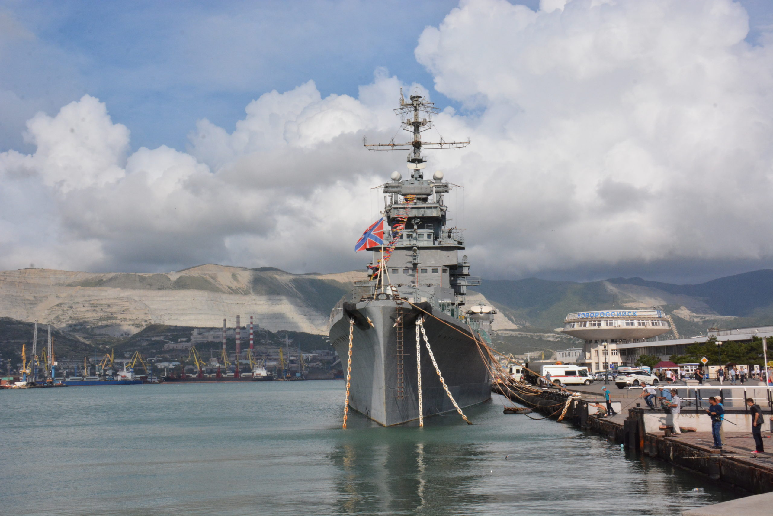 В Новороссийске  крейсер «Михаил Кутузов» нуждается в дорогостоящем ремонте
