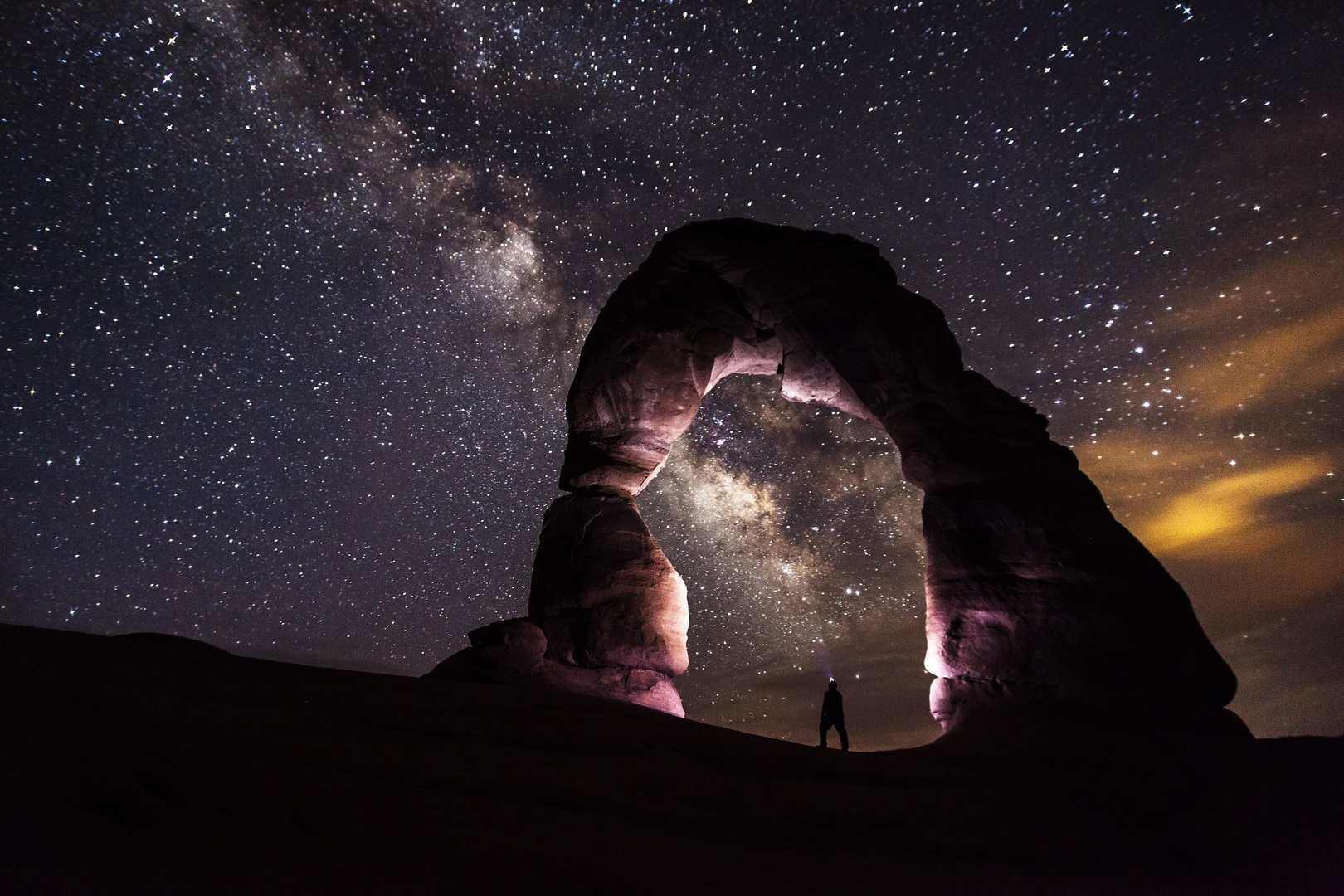 Тельцам понадобится поддержка близких, а Водолеи столкнутся со сложными задачами: гороскоп на четверг для знаков зодиака