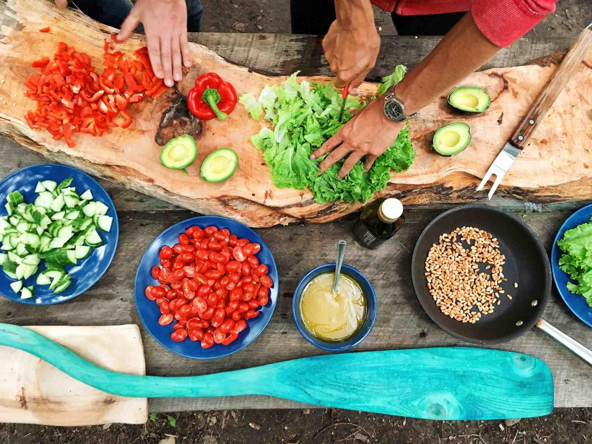 Рецепты для потерявших обоняние из-за COVID-19 собрали в одну кулинарную книгу