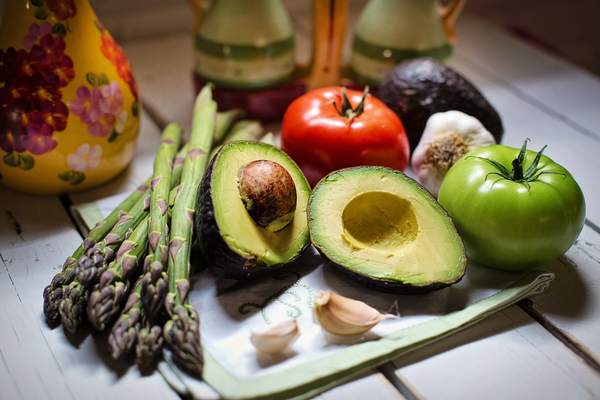 5 ярких салатов с авокадо для тех, кто любит, чтобы было и вкусно, и полезно