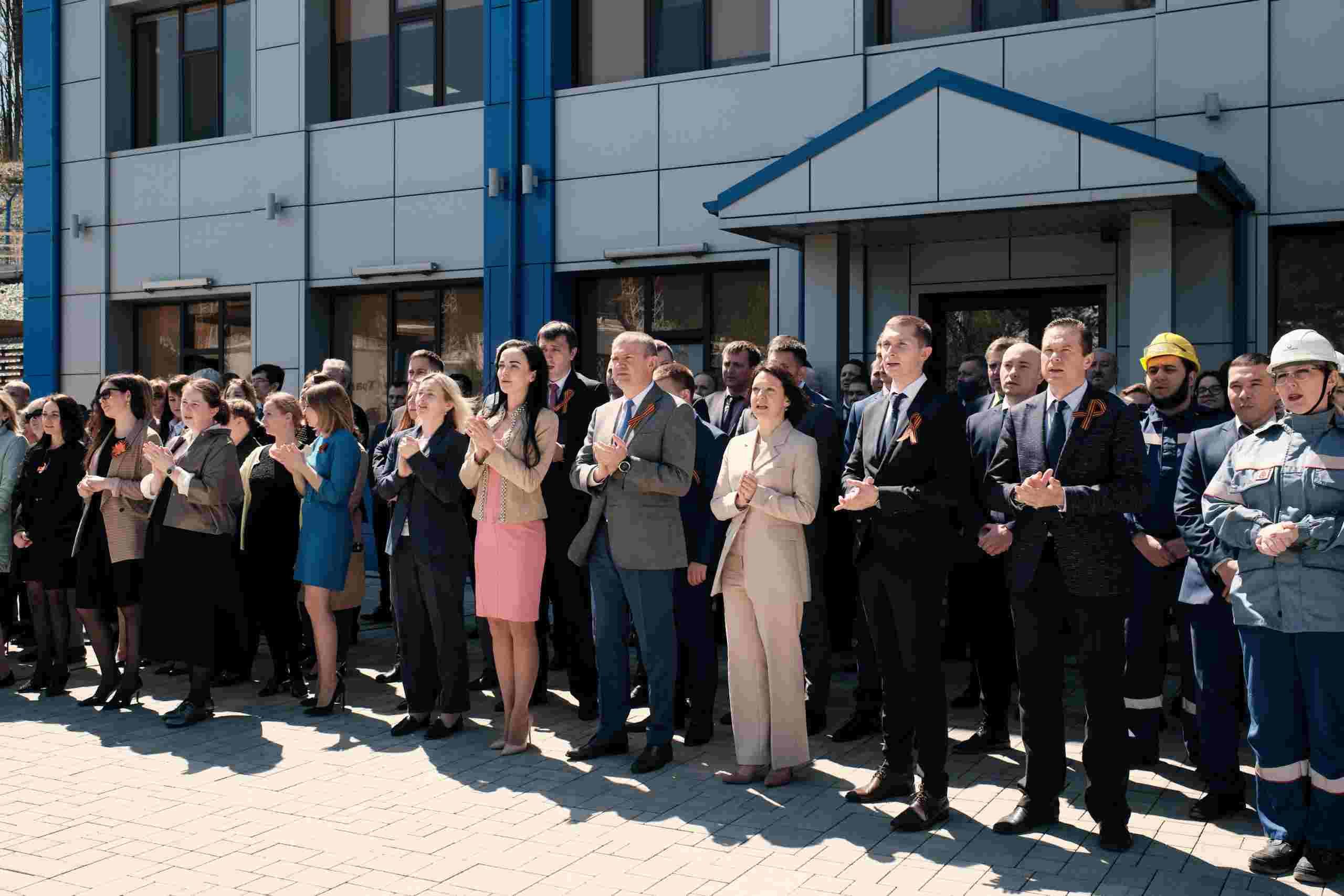 Все как один: коллектив АО «Черномортранснефть» спел главную песню о Великой Победе