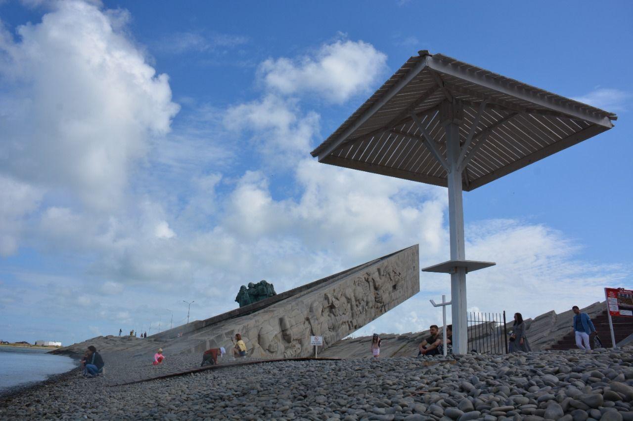 Мемориал «Малая Земля» в Новороссийске: пляж или святое место?
