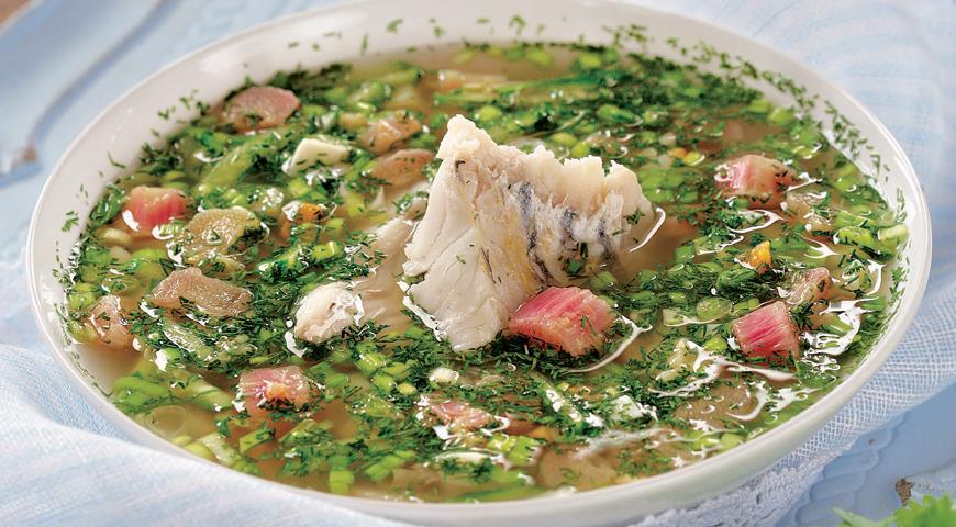 Летний, легкий и полезный: холодный суп из ревеня