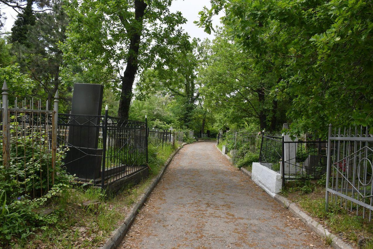 «Солнечное» кладбище в Новороссийске хранит множество историй