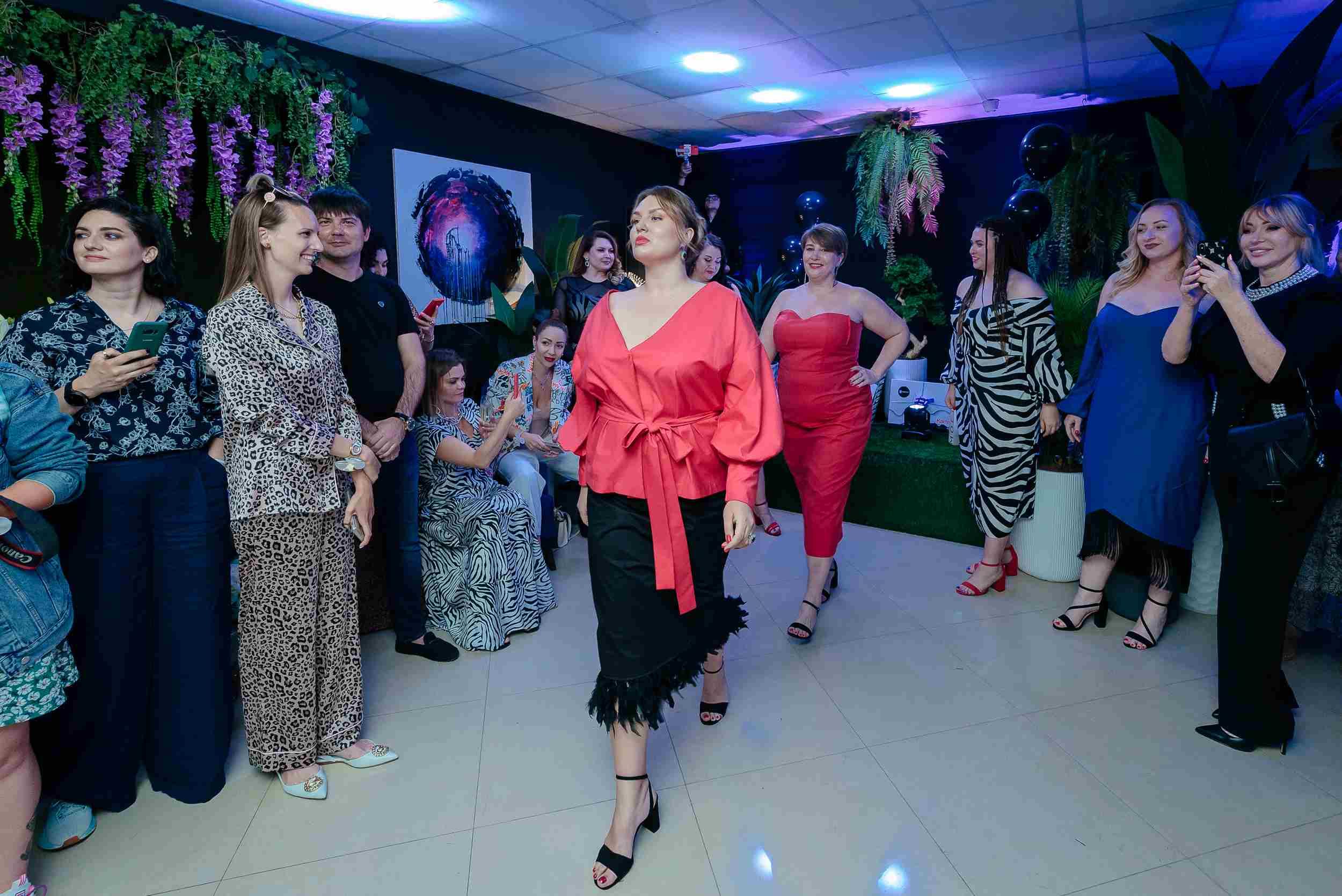 В Новороссийске прошел показ мод для женщин «плюс сайз»