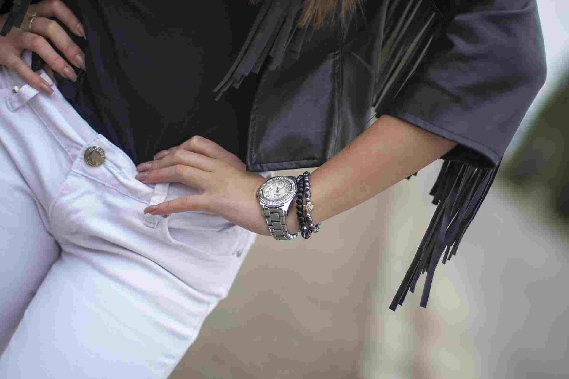 Носить наручные часы – полезно для здоровья. Советы новороссийских часовщиков