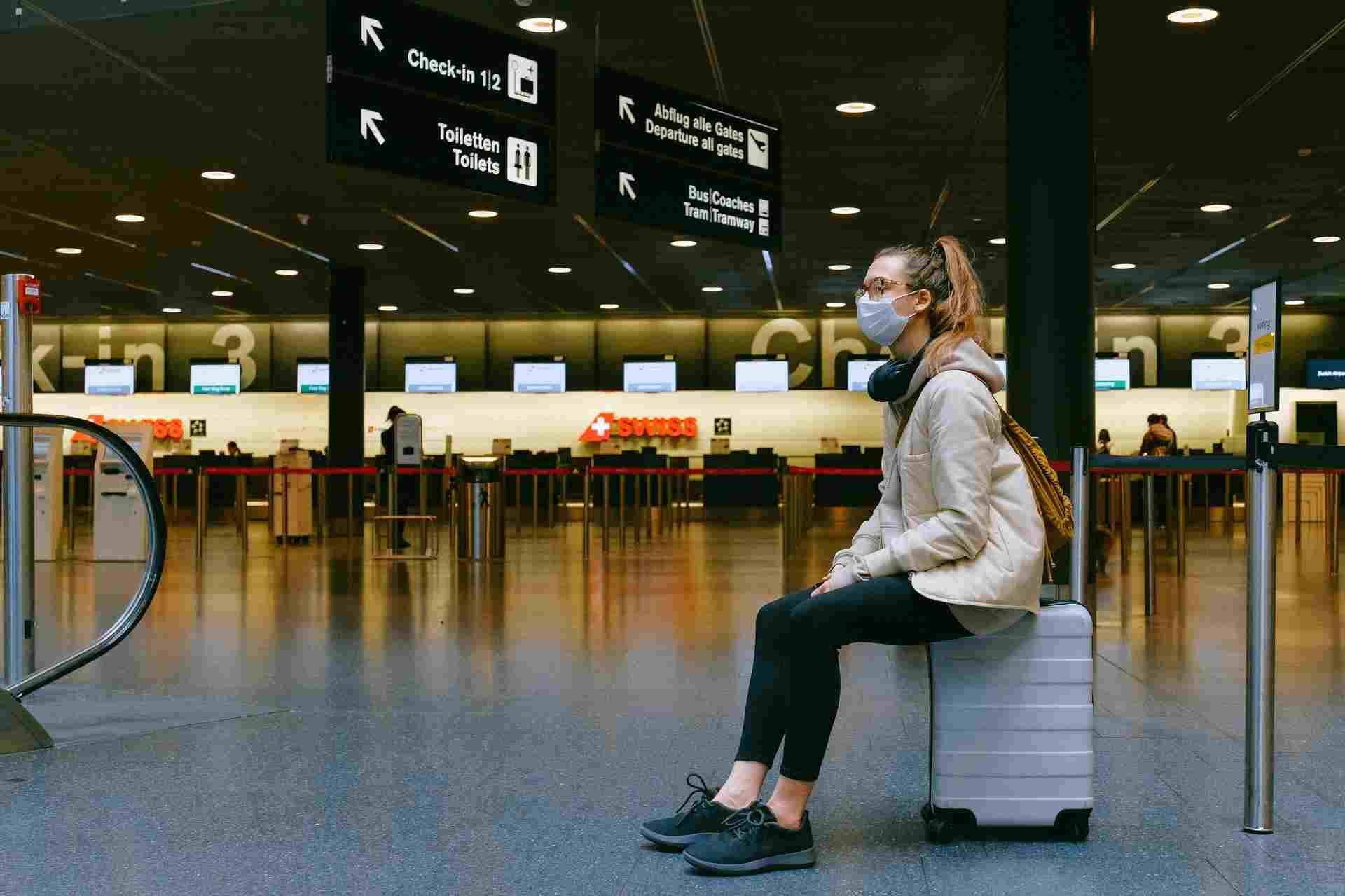 Пассажиров без прививки и антител к коронавирусу предложили не пускать в самолеты