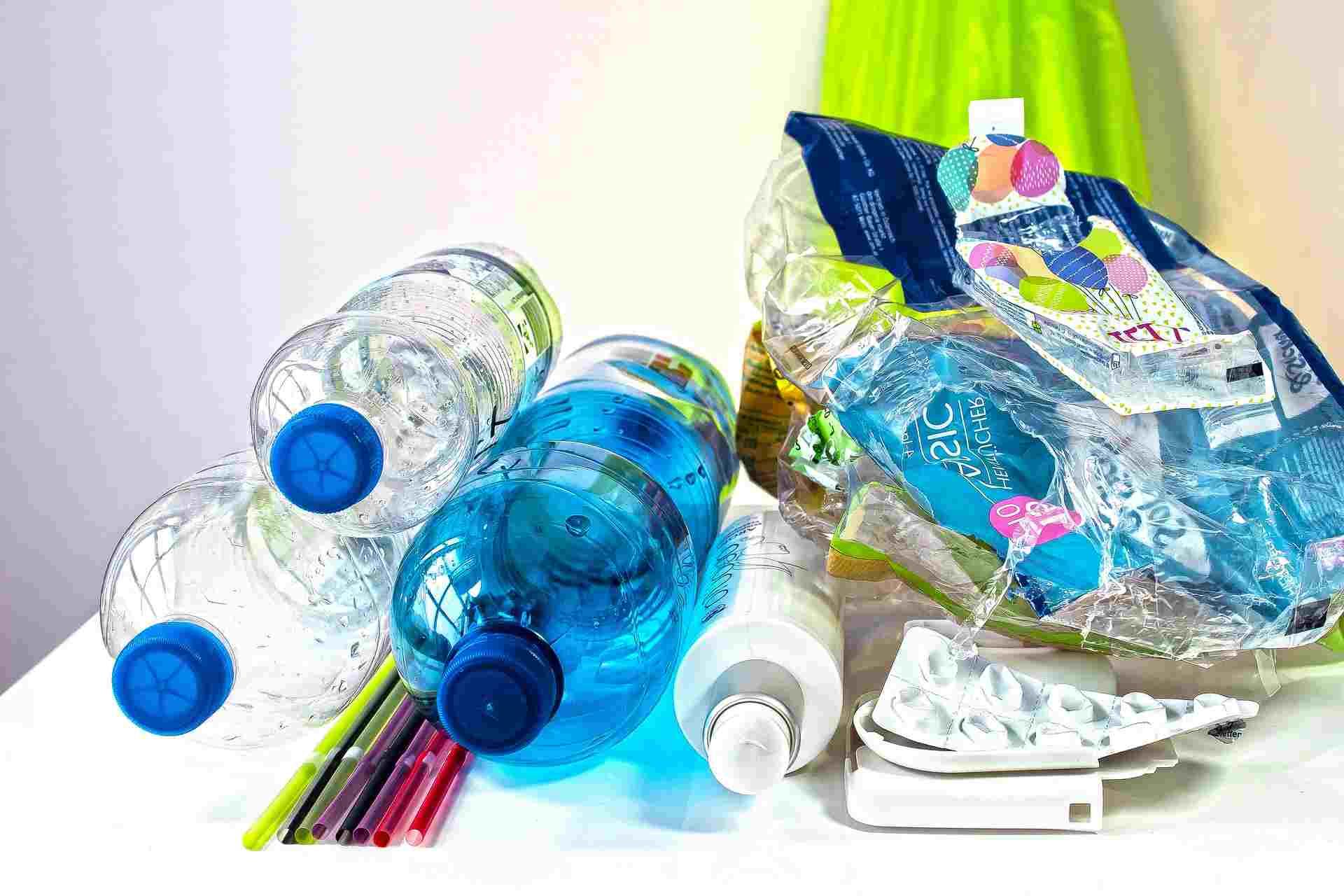 В России готовится запрет на использование отдельных видов пластика