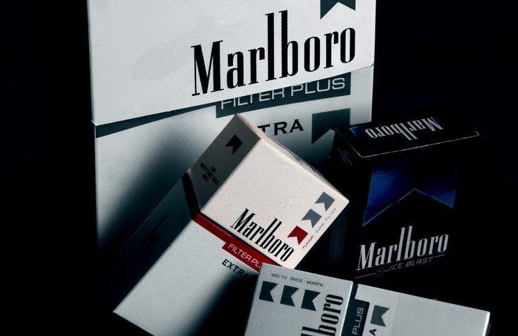Новороссийские таможенники обнаружили почти 160 тыс. пачек контрабандных сигарет в тайниках внутри досок