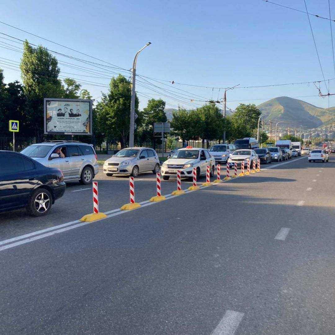 На центральных улицах Новороссийска появились делиниаторы