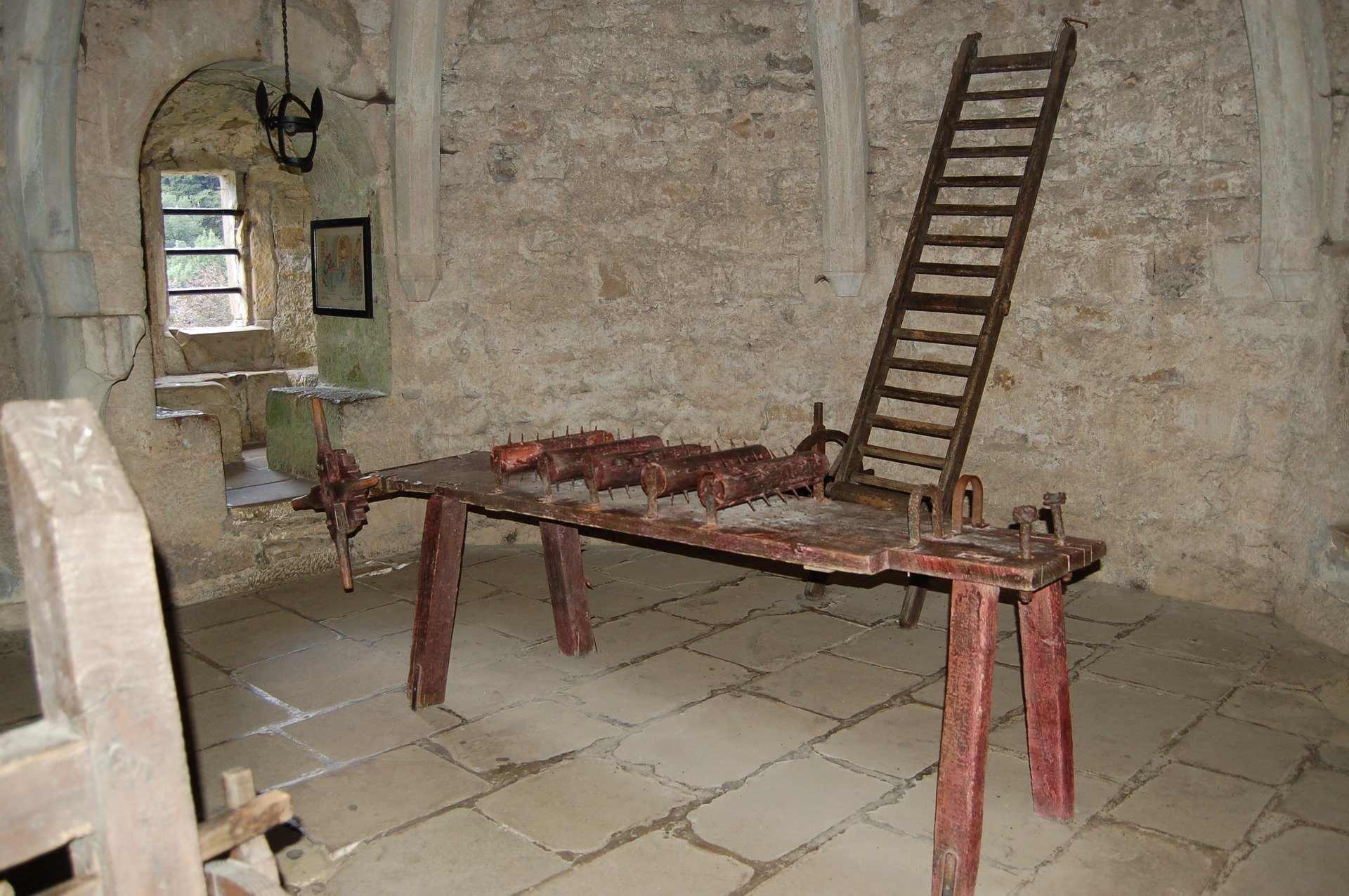 Все о пытках и казнях расскажут в новороссийском музее на выставке «История боли»