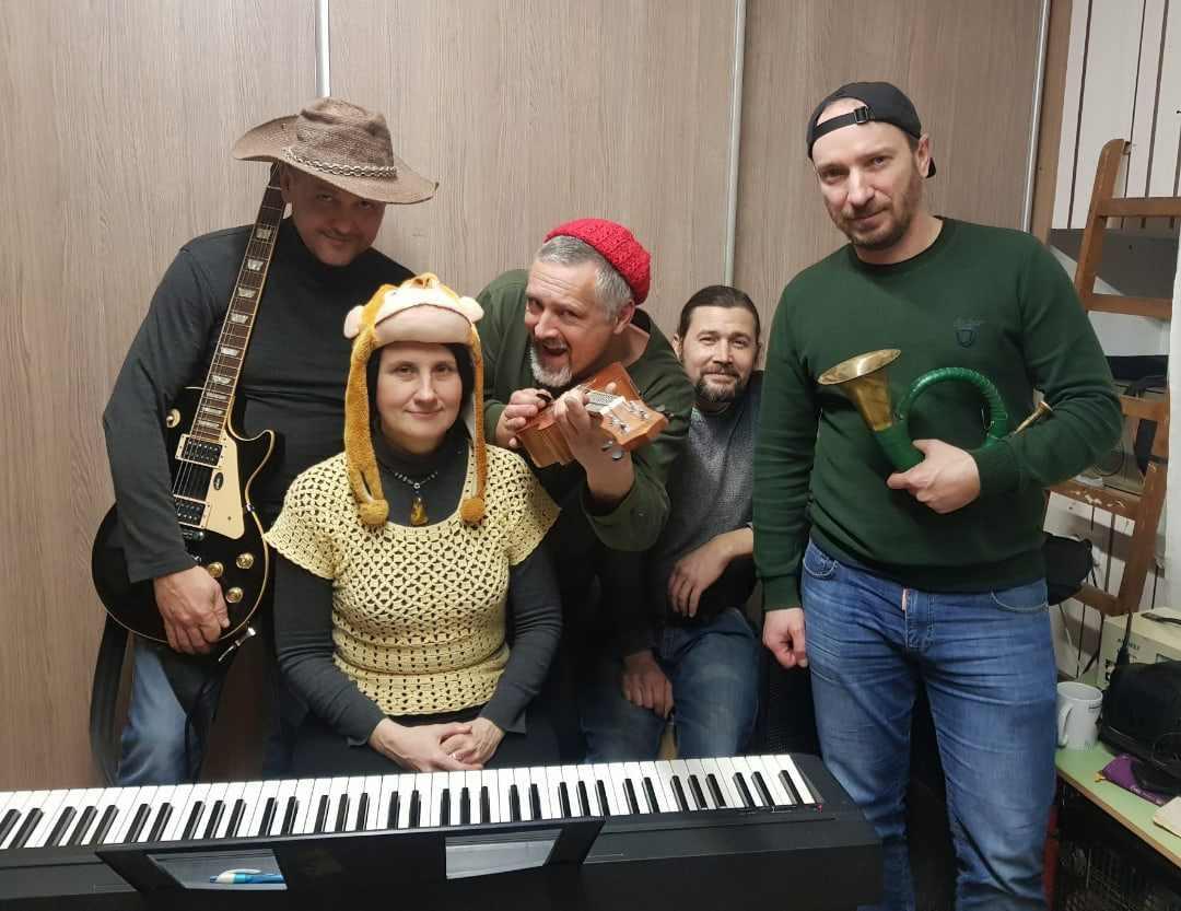 Новороссийский рок-музыкант зарабатывает на жизнь ремонтом сантехники