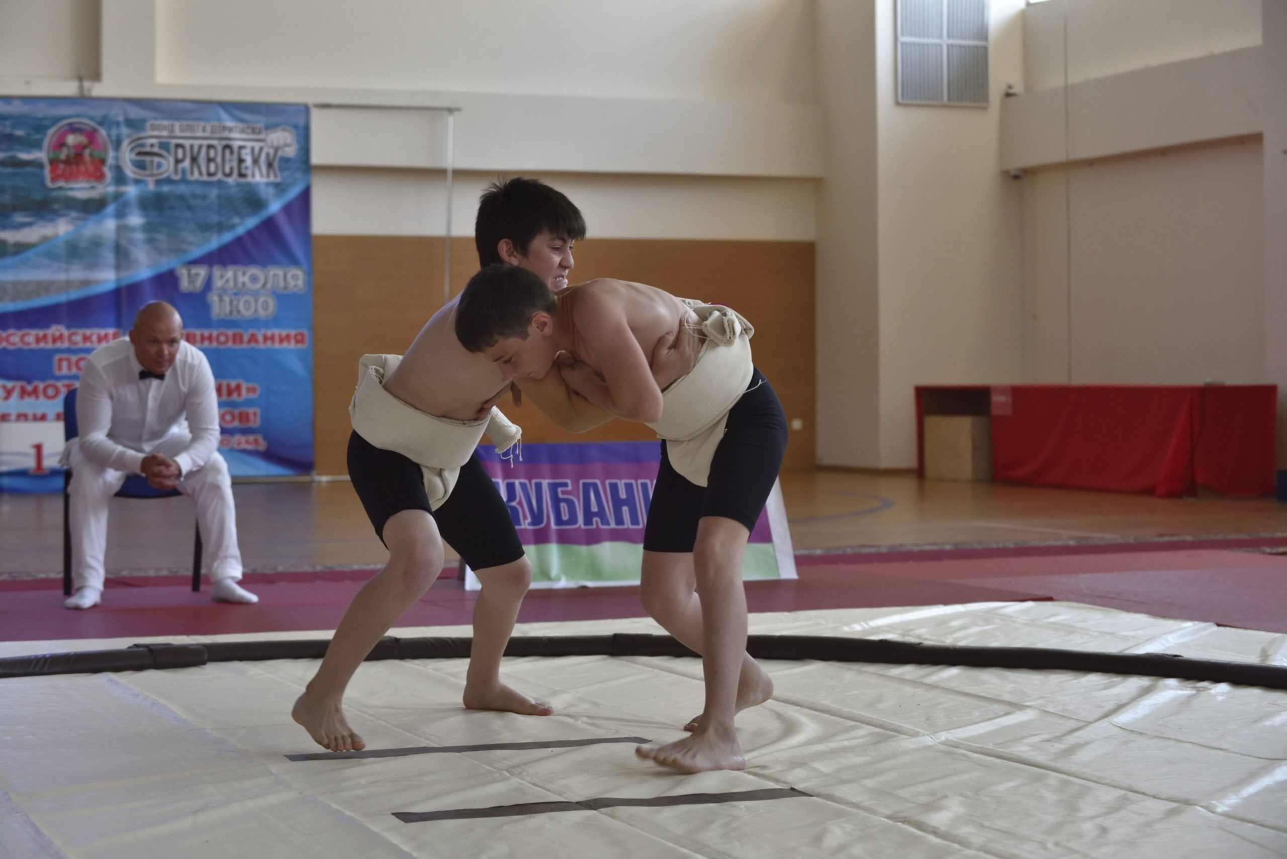 В Новороссийске прошли всероссийские соревнования по сумо