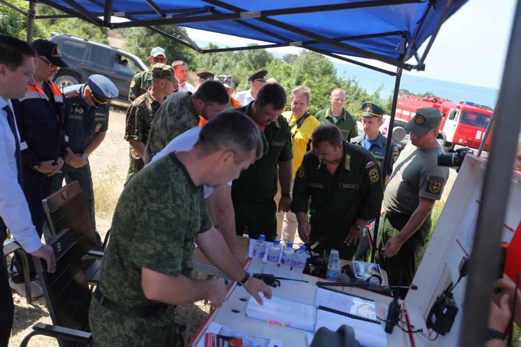 Новороссийцы тушили учебный пожар в заповеднике «Утриш»