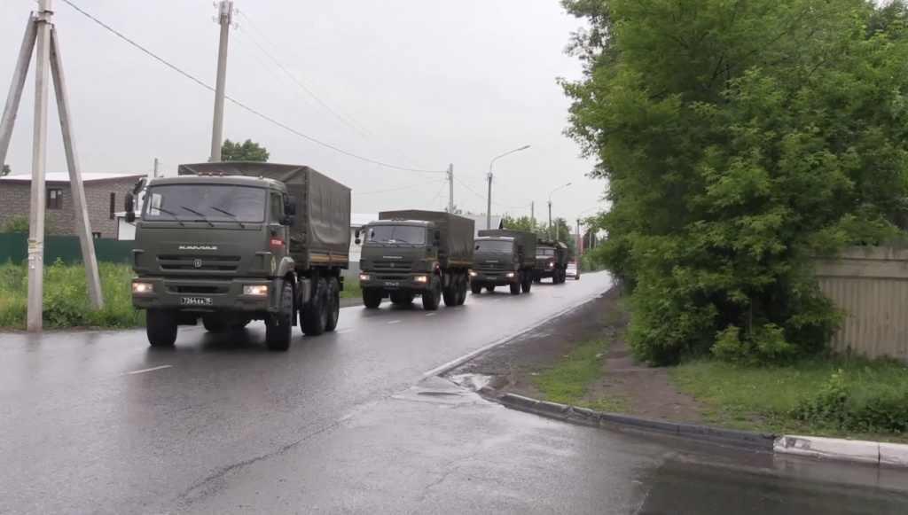 На дорогах Кубани водители могут встретить военную технику
