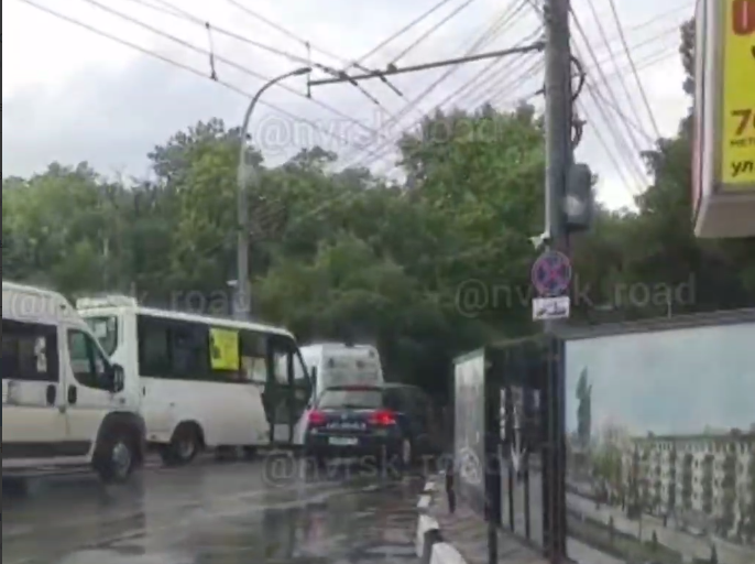 В Новороссийске из-за подтопления перекрыли улицы Советов и Свободы