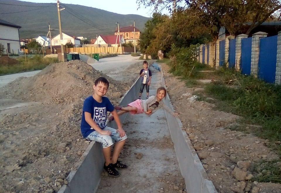 В Новороссийске продолжается работа по устранению последствий подтоплений
