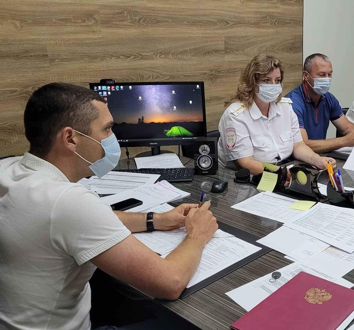 Новороссийским школьникам и их родителям напомнили о правилах безопасности на дороге