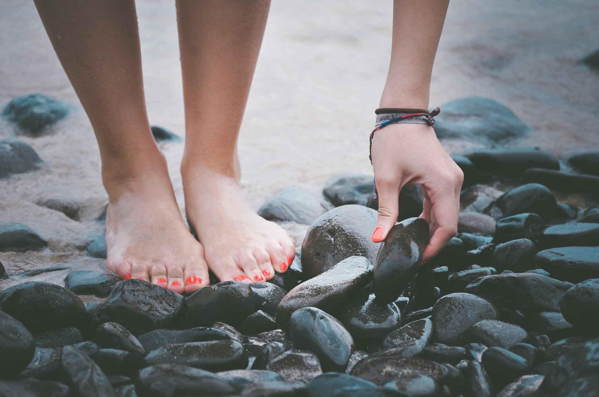 Отеки ног: причины, профилактика, лечение