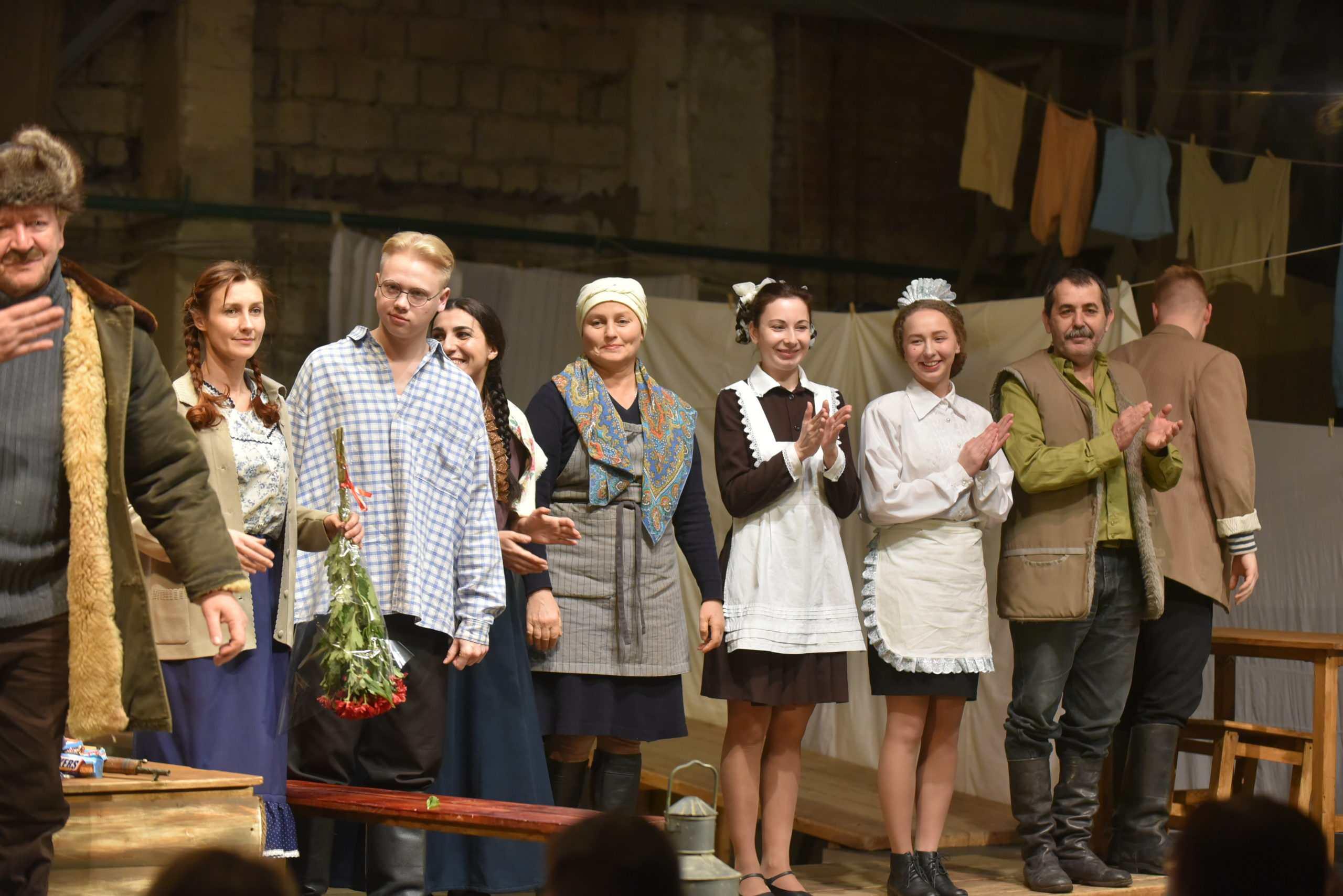 Актерам из Новороссийска в новом сериале достались роли переехавших