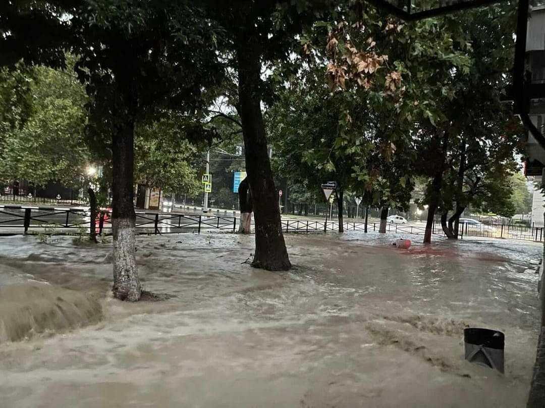 В Новороссийске — снова дождь и потоп (видео)