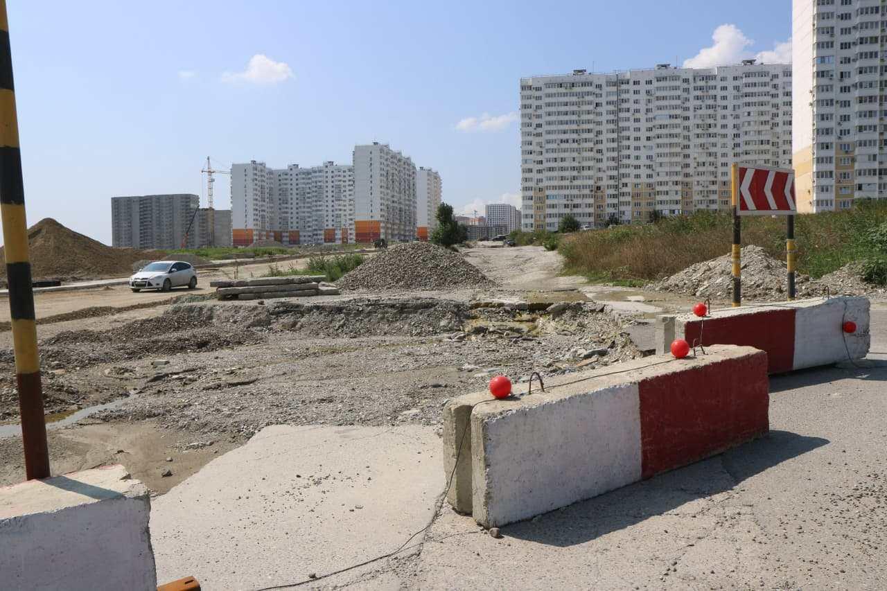 Дорогу на улице Мурата Ахеджака в Новороссийске скоро начнут асфальтировать
