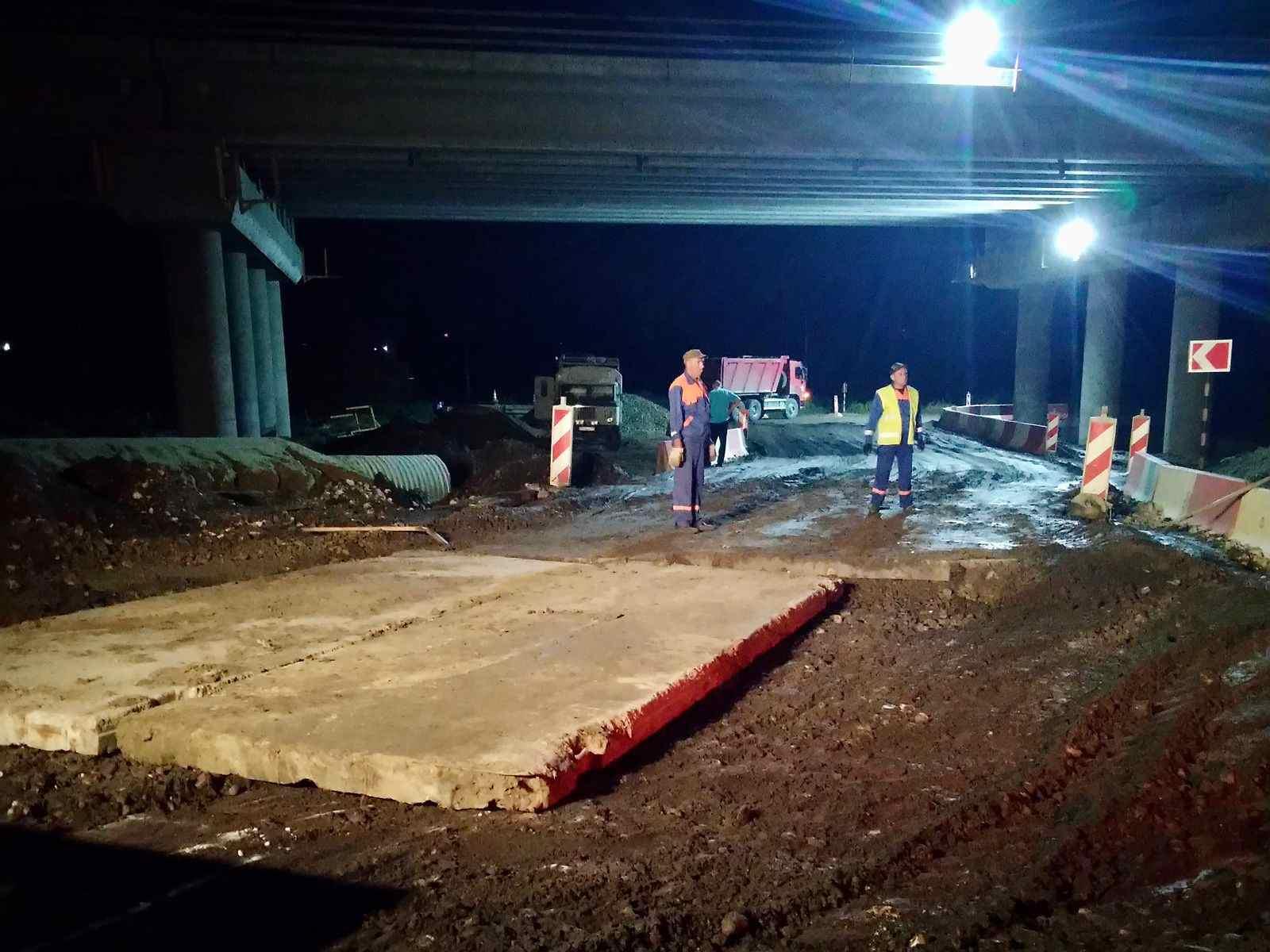 Дорожные службы восстанавливают асфальтовое покрытие в городах Причерноморья