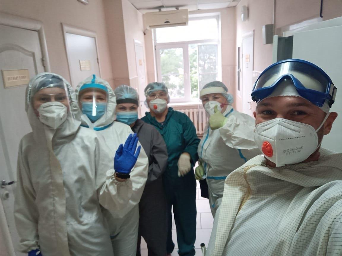 Новороссийский спасатель — о работе в ковидном госпитале: «От «короны» меня спасает юмор!»