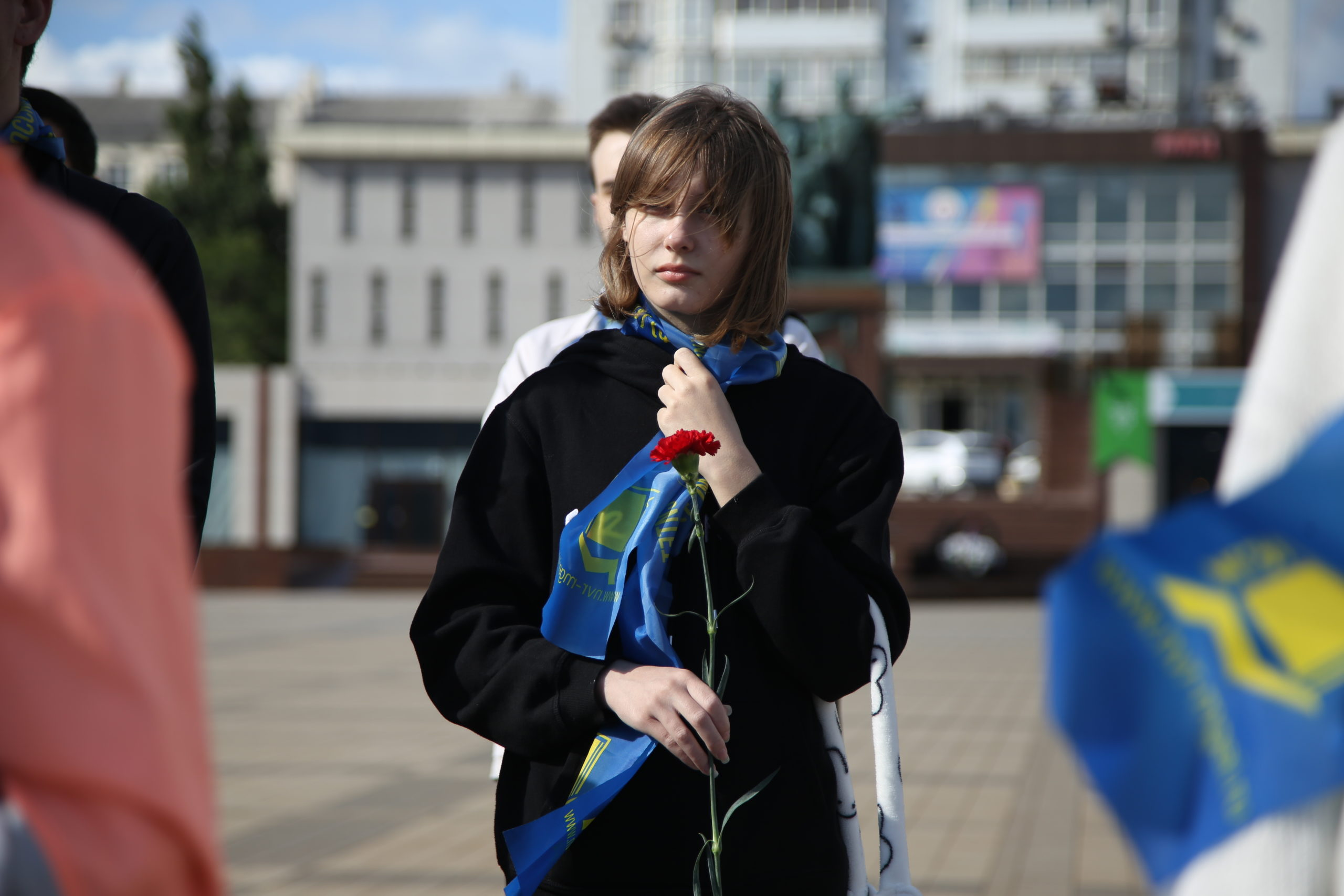 17 лет боли.  В Новороссийске минутой молчания почтили память жертв теракта в Беслане