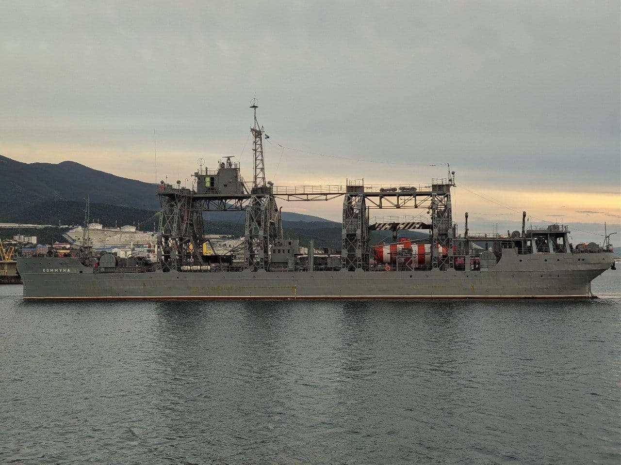 Спасательное судно «Коммуна» опять побывало в Новороссийске