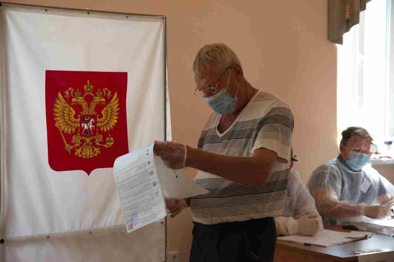 В Новороссийске второй день голосования на выборах депутатов Госдумы проходит оживленно (репортаж с места событий)