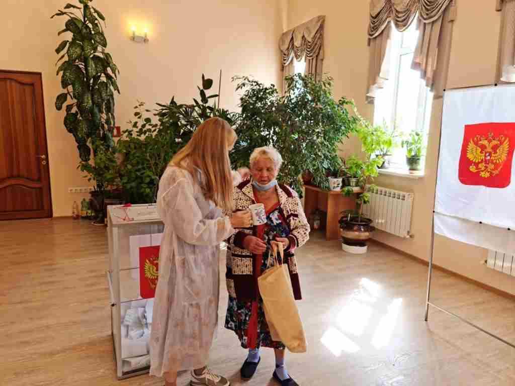 В Восточном районе Новороссийска удивили избиратели 90 плюс!