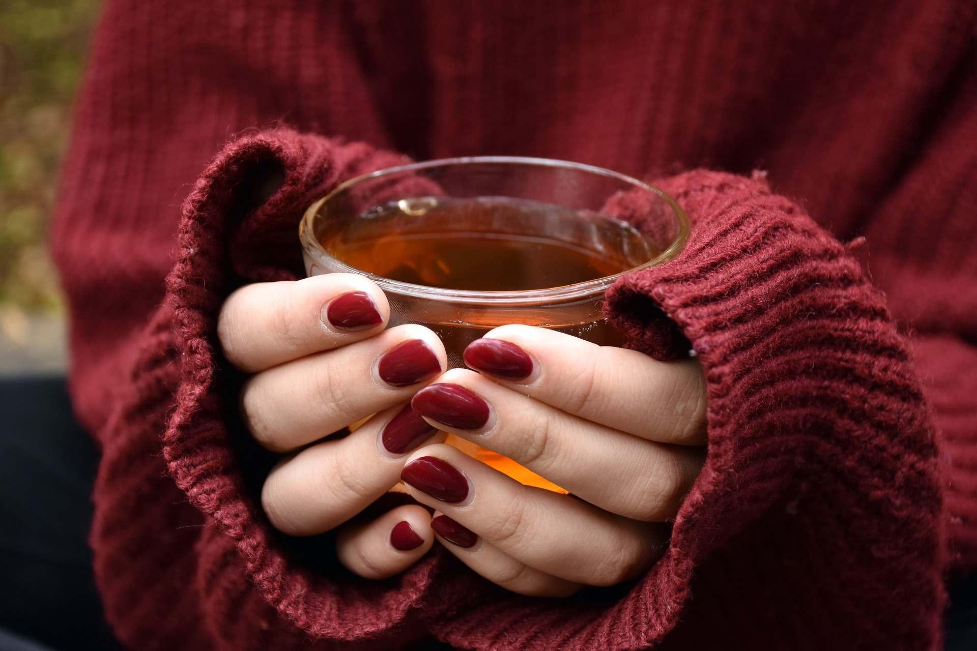 Топ-5 согревающих напитков, которые спасут, пока нет отопления, и дует норд-ост