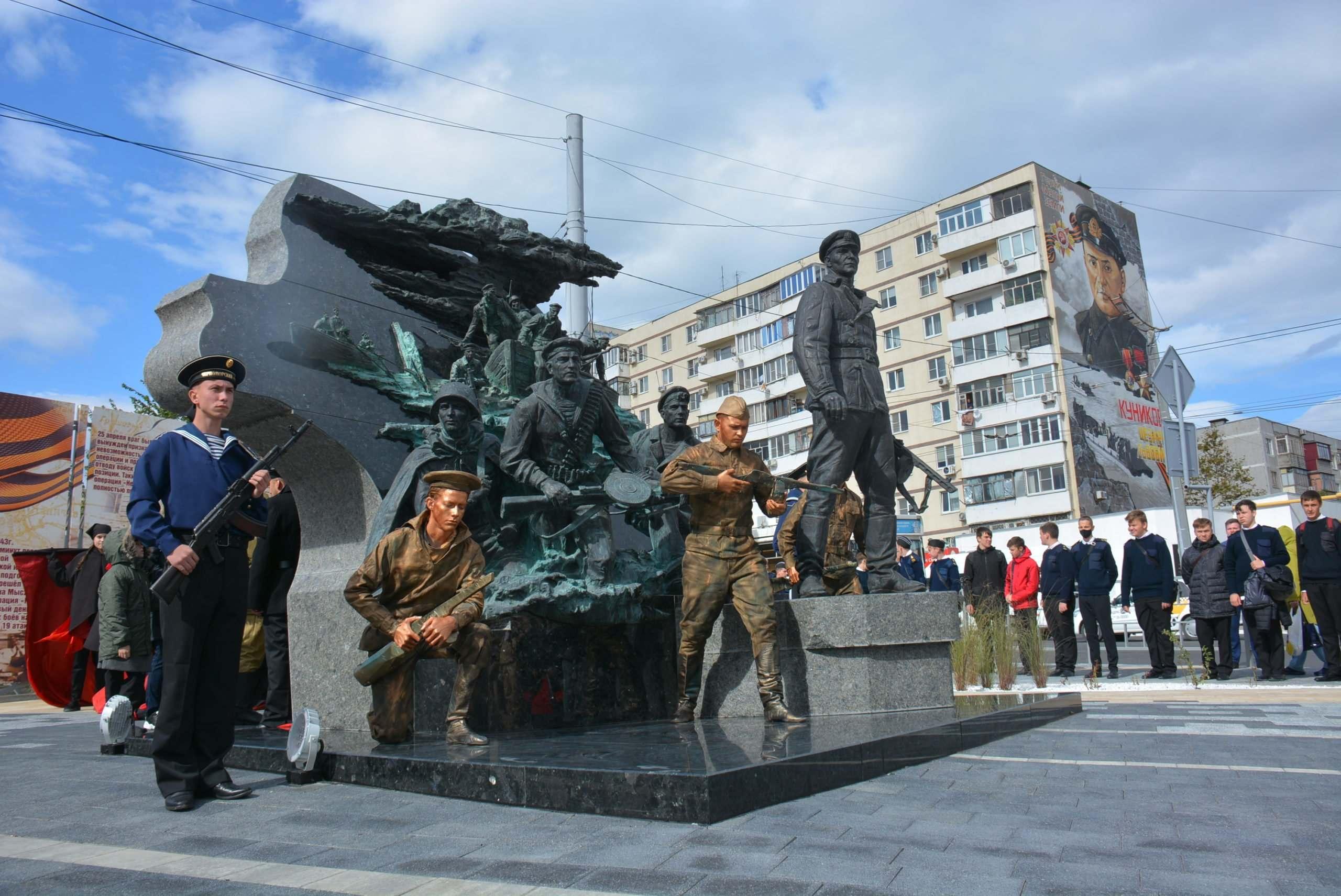В Новороссийске открыт памятник легендарному майору