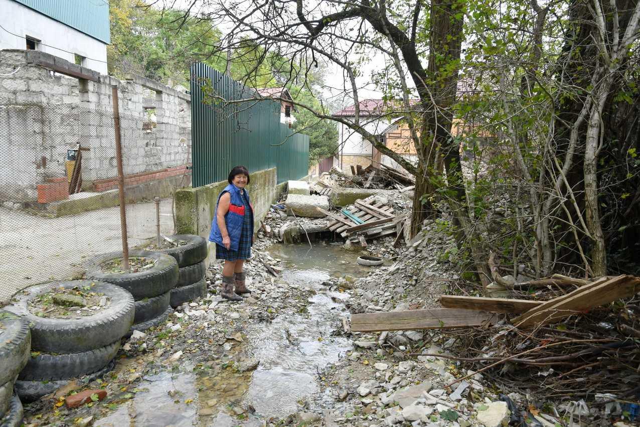 Новороссийцы боятся, что речка после осенних дождей смоет огороды