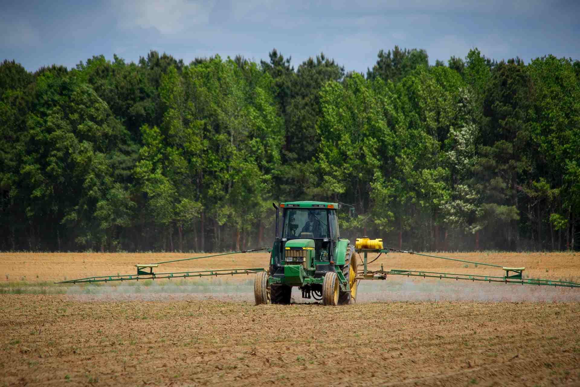 На Кубани на поддержку фермеров направлено 3 миллиарда рублей